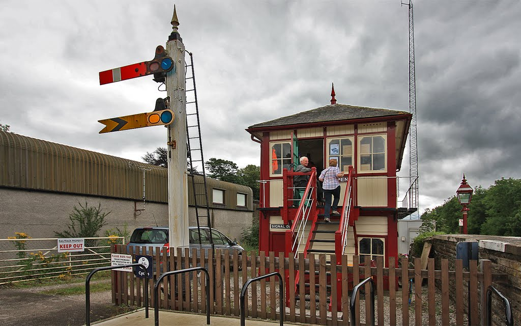 Settle Station's Signal Box Is Back